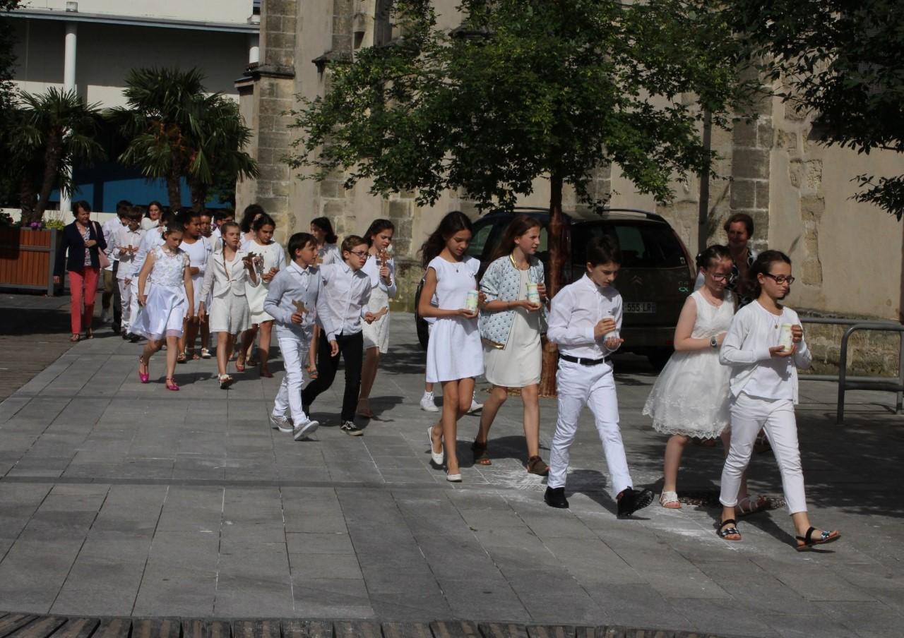 Première communion au collège Jeanne d'Arc Assomption